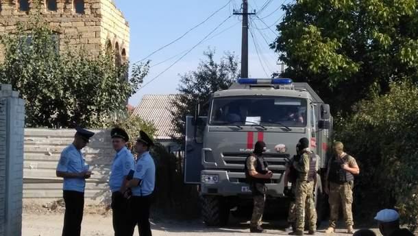 Обыски у крымскотатарских активистов