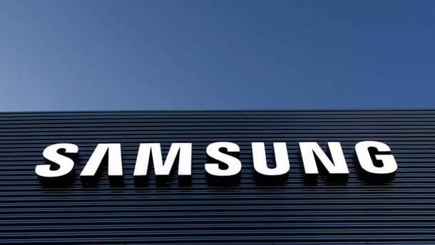 Samsung може представити смартфон із чотирма камерами