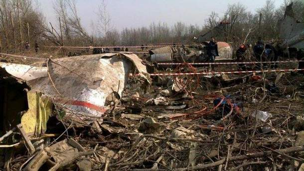 """Польща звинувачує Росію у підробці """"чорних скриньок"""" з Ту-154М"""