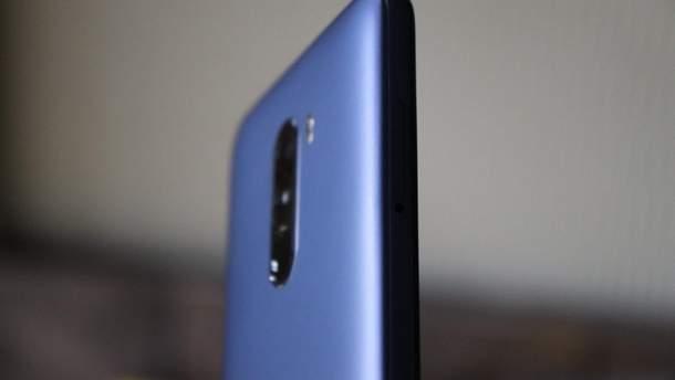 Xiaomi опубликовала подделанный снимок с Poco F1