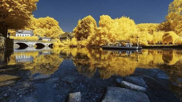 Пьер-Луи Феррер сделал серию снимков Франции в сине-желтых цветах
