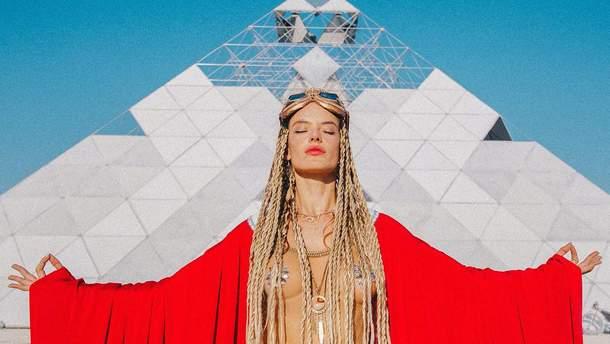 Алессандра Амбросіо на Burning Man 2018