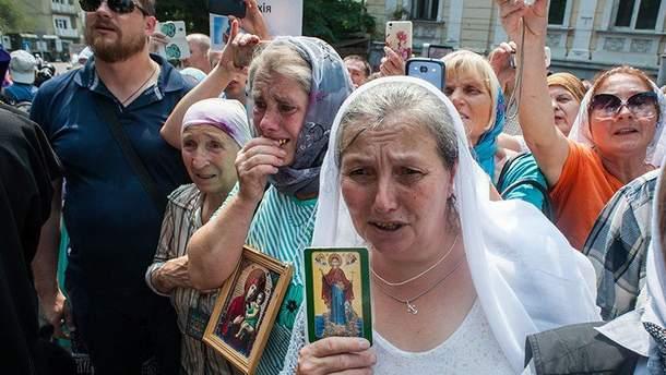 Украинцев не заставляют молиться другому Богу