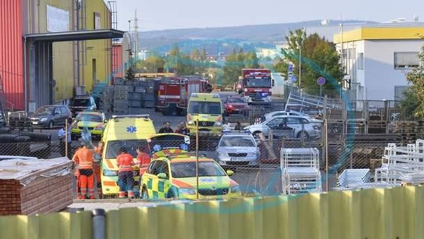 В Чехии вертолет упал на склад, четверо погибших