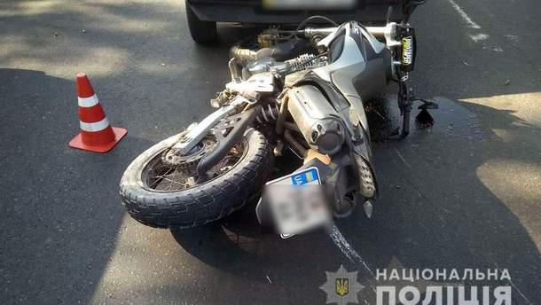 В Краматорске мотоциклист сбил ребенка и врезался в авто