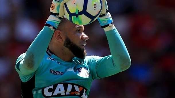 Вратарь Эверсон отметился голом в чемпионате Бразилии
