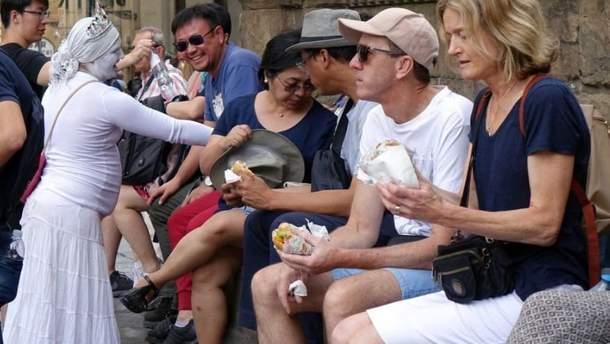 Во Флоренции туристам нельзя есть на улице