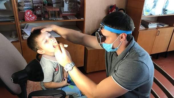 Детей из двух районов Херсонщины проверили врачи