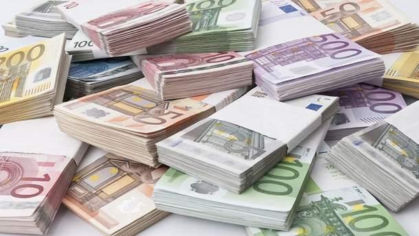 Долар і євро здешевшали. Нацбанк визначився зкурсами валют на вівторок