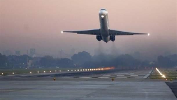 Кияни вимагають обмежити нічні злети та посадки літаків у столиці