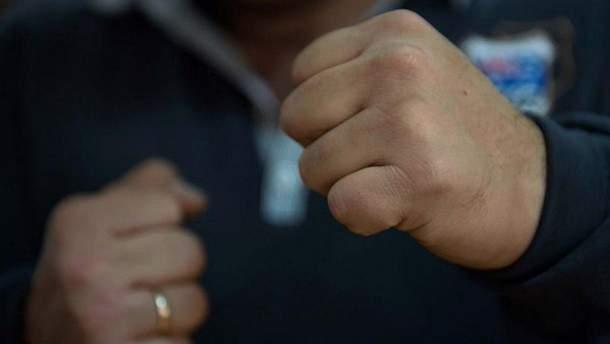 В центре Киева конфликт между молодыми людьми завершился дракой и стрельбой