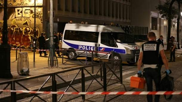 В Париже мужчина с ножом напал на прохожих, семеро пострадавших