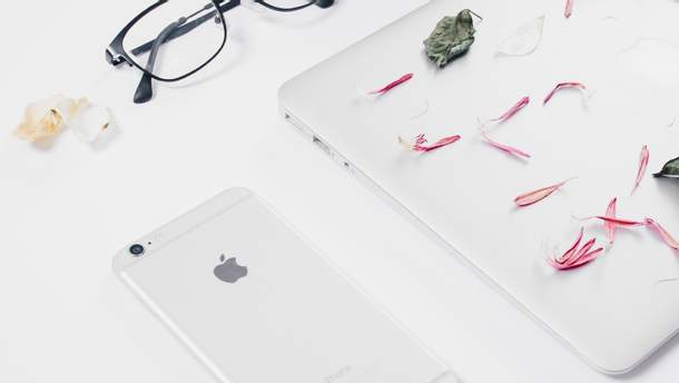 Apple  готує до презентації iPhone 9