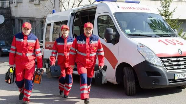 На адмінмежі з Кримом працюють бригади лікарів