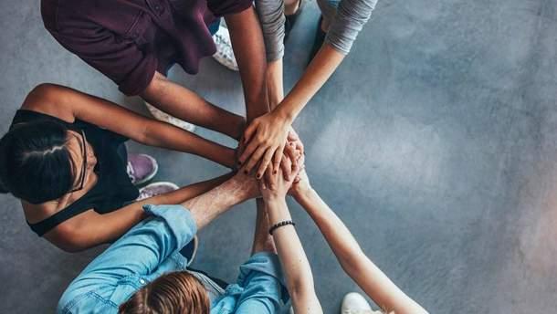 Чому допомога іншим не лише благородно