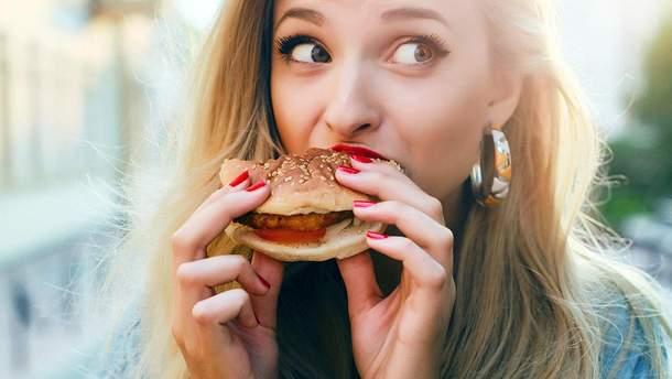 Назвали опасность привычки плохо жевать пищу