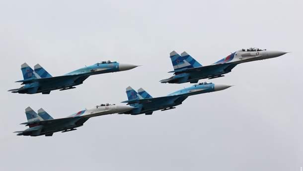 Самолеты подняли в небо с двух аэродромов