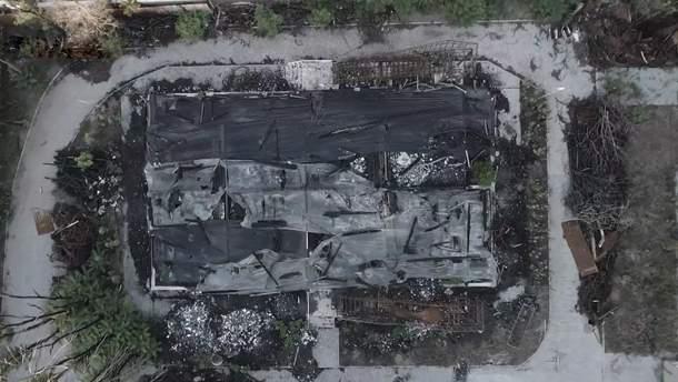 """Пепелище после пожара в одесском лагере """"Виктория"""""""