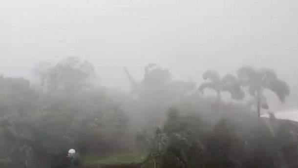 """На Филиппинах бушует мощный тайфун """"Мангхут"""""""