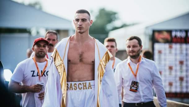 Олександр Захожий переміг нокаутом у першому раунді