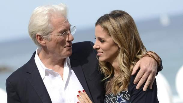 Офіційно: 68-річний знаменитий голлівудський актор Річард Гір скоро стане батьком (фото)