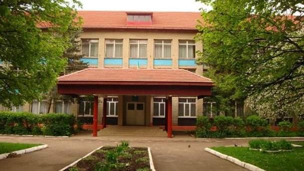 В львовской школе эвакуировали более 400 учеников из-за разлива сжиженного газа