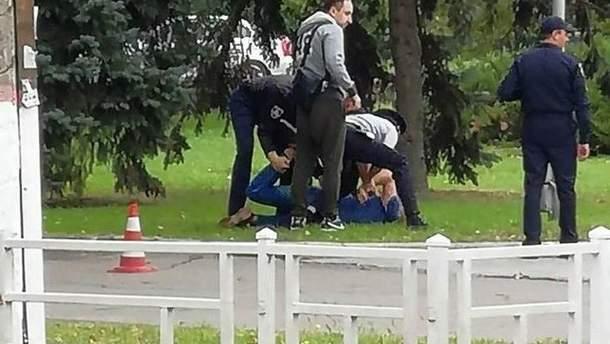 Правоохранители задержали работника СБУ, который якобы мастурбировал в присутствии детей