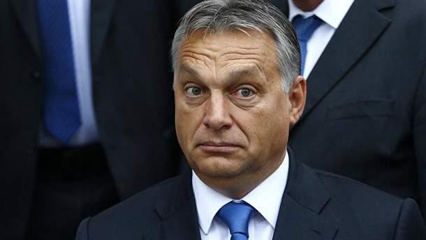 Уряд Орбана почав кампанію проти рішення Європарламенту