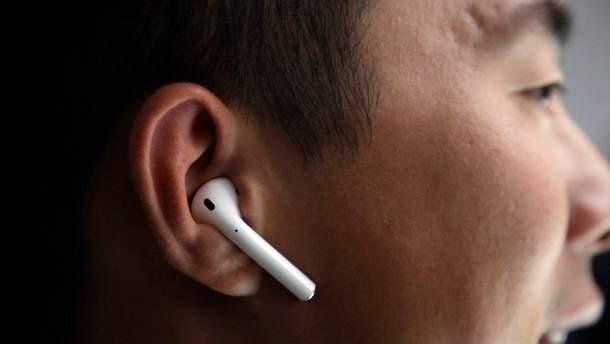 """Huawei выпустит """"копию"""" AirPods с необычной зарядкой"""
