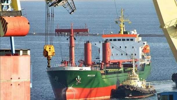 """Як російські кораблі порушують український кордон та чому спецслужби цього """"не бачать"""""""