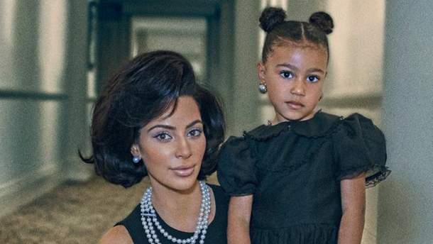 5-річна донька Кім Кардашян дебютувала на подіумі: яскраві фото та відео