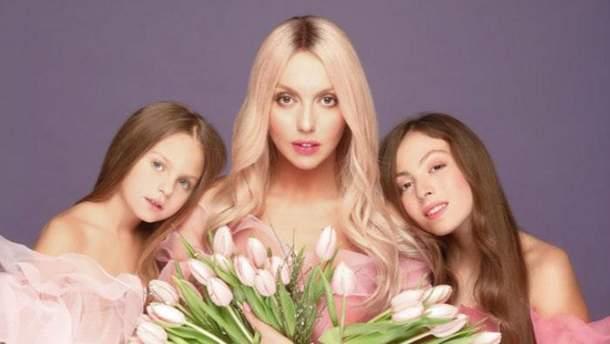 Дочь Оли Поляковой украсила обложку подросткового журнала: яркое фото