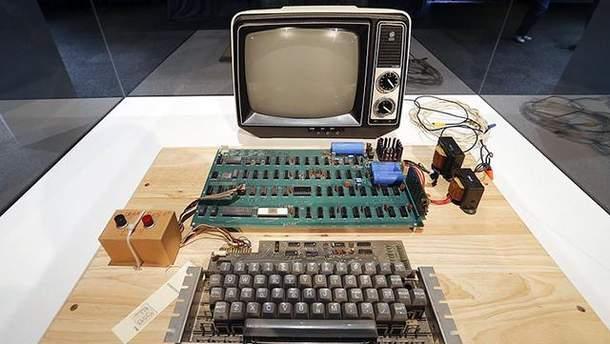 Першу модель комп'ютера Apple продали на аукціоні