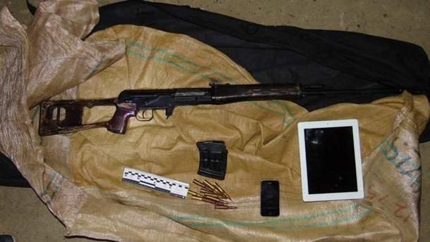 24-летнего жителя Черниговской области изъяли снайперскую винтовку, автомат Калашникова и патроны