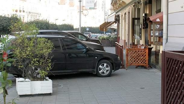 Вступил в силу закон о парковке