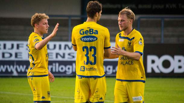 Роман Безус  (праворуч) забив гол у чемпіонаті Бельгії