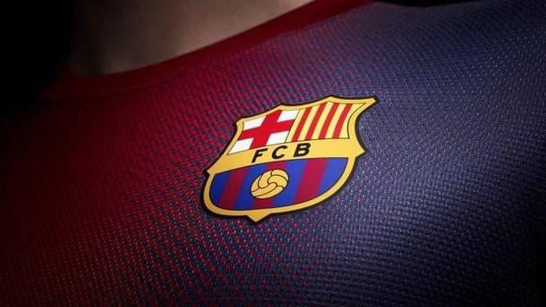 """Испанская """"Барселона"""" планирует изменить логотип: фото и видео"""