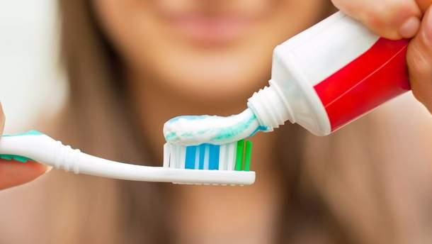 Лікар назвав небезпечний компонент зубної пасти