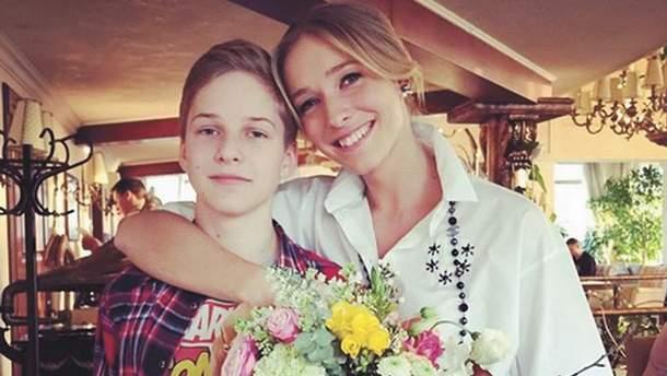 Катя Осадчая с сыном Ильей