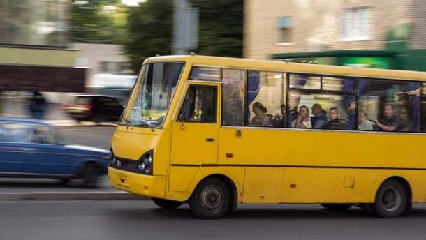 В Киеве захватили в заложники маршрутку с пассажирами