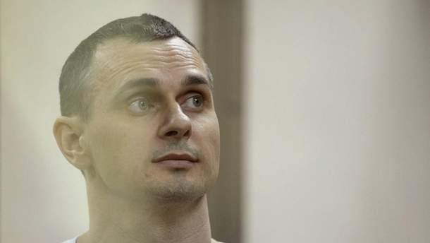 Сенцова повезли из колонии в больницу