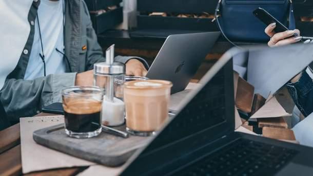 Як робота в офісі впливає на подружнє життя