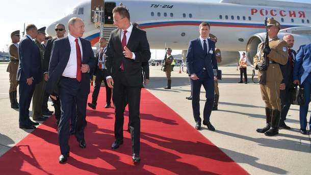 Путин встречался с главой МИД Венгрии Сийярто накануне скандала с венгерским паспортам, – Богдан