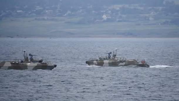 Как украинские корабли проходили через Керченский мост в сопровождении оккупантов