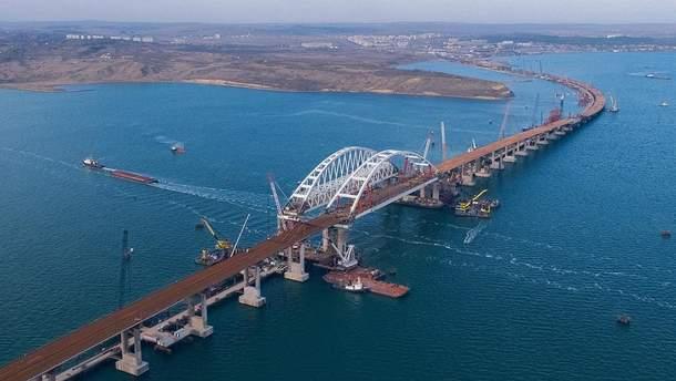 По Крымскому мосту пустят фуры