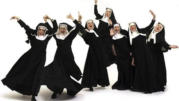 Сотня монахинь танцювали на концерті
