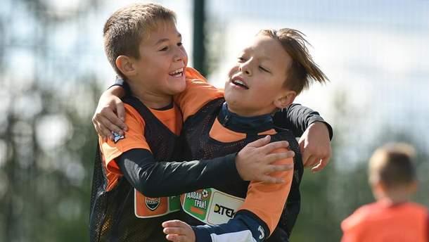 """""""Шахтер"""" открыл социальный проект по развитию массового детского футбола в Червонограде"""