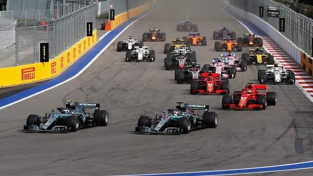 Хэмилтон выиграл гран-при России, Mercedes оформил дубль