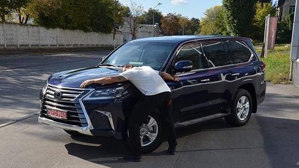 Усик и его новая машина