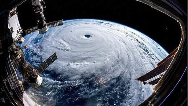 "Тайфун ""Трамі"" з космосу"